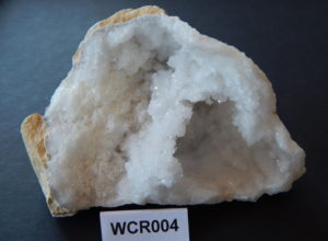 Witte celestien geode WCR004