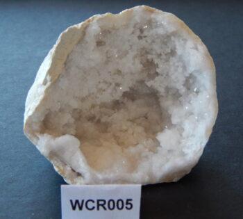 Witte celestien geode WCR005